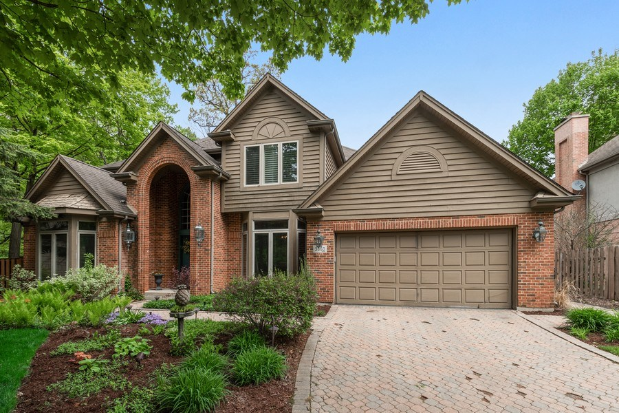 Real Estate Photography - 3860 Timbers Edge Ln, Glenview, IL, 60025 - Front View