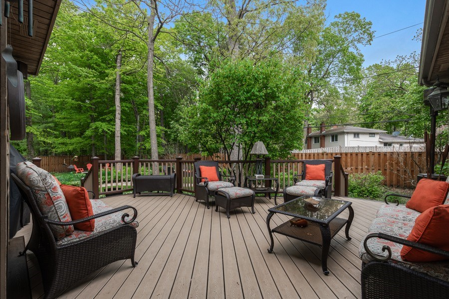 Real Estate Photography - 3860 Timbers Edge Ln, Glenview, IL, 60025 - Deck