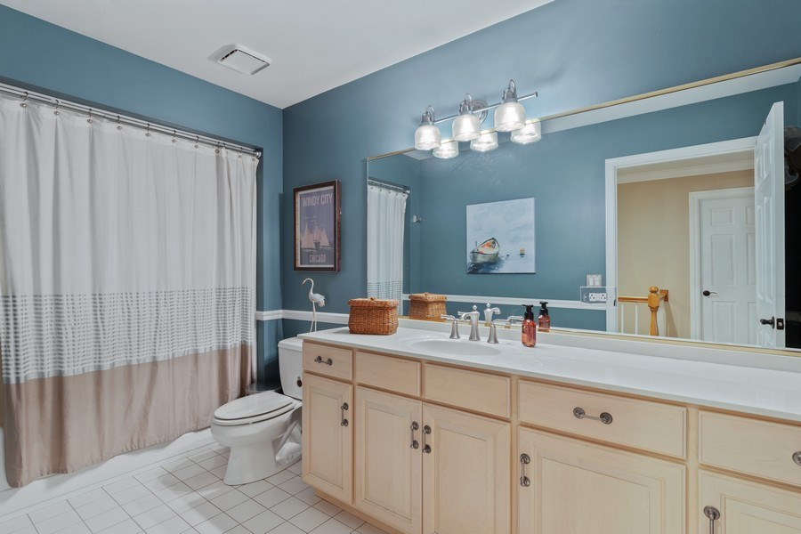 Real Estate Photography - 3860 Timbers Edge Ln, Glenview, IL, 60025 - 2nd Bathroom
