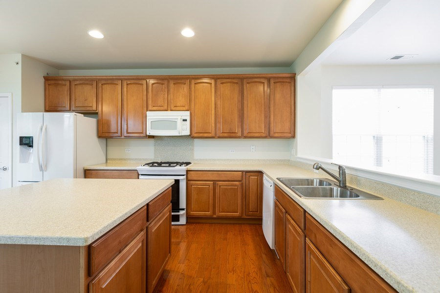 Real Estate Photography - 13973 Redmond Dr, Huntley, IL, 60142 - Kitchen
