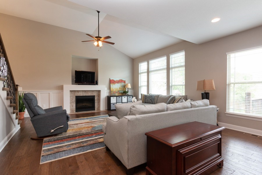 Real Estate Photography - 1915 S Cochise Ave, Independence, MO, 64057 - Living Room