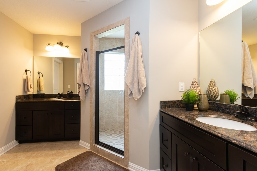 Real Estate Photography - 1915 S Cochise Ave, Independence, MO, 64057 - Master Bathroom