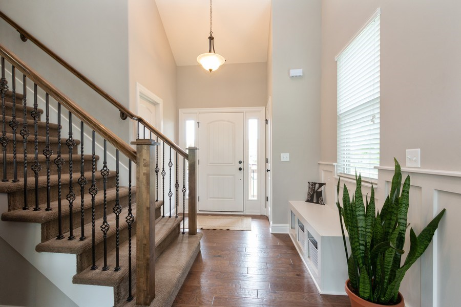 Real Estate Photography - 1915 S Cochise Ave, Independence, MO, 64057 - Foyer