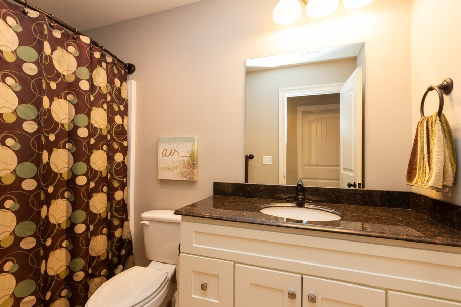 Real Estate Photography - 1915 S Cochise Ave, Independence, MO, 64057 - Bathroom