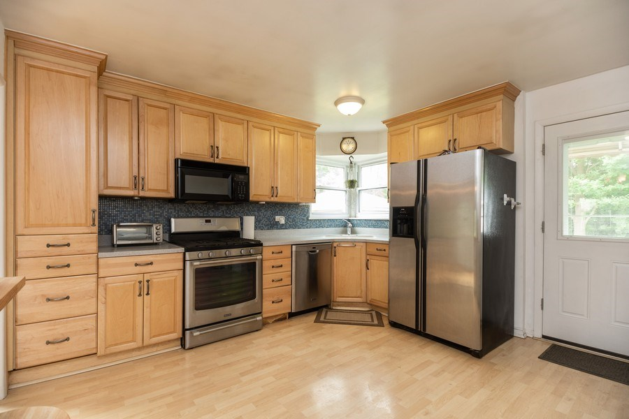 Real Estate Photography - 518 Lotus, Glenview, IL, 60025 - Kitchen