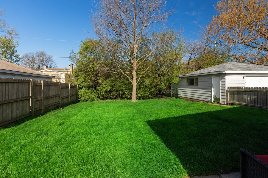 Real Estate Photography - 518 Lotus, Glenview, IL, 60025 - Back Yard