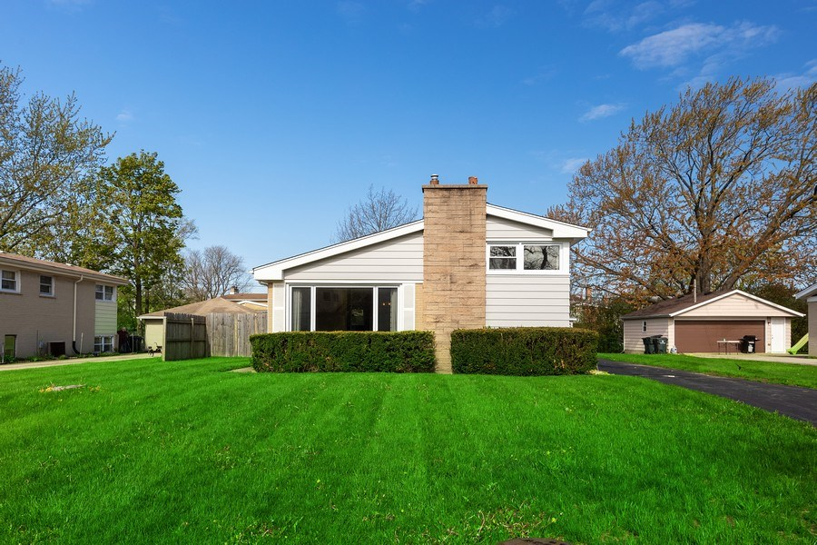 Real Estate Photography - 518 Lotus, Glenview, IL, 60025 - Front View