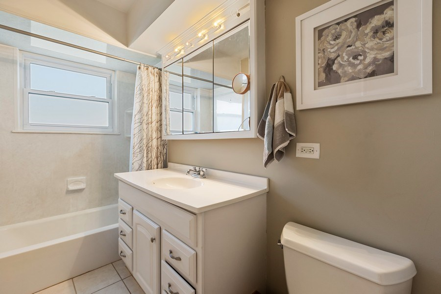 Real Estate Photography - 518 Lotus, Glenview, IL, 60025 - Bathroom