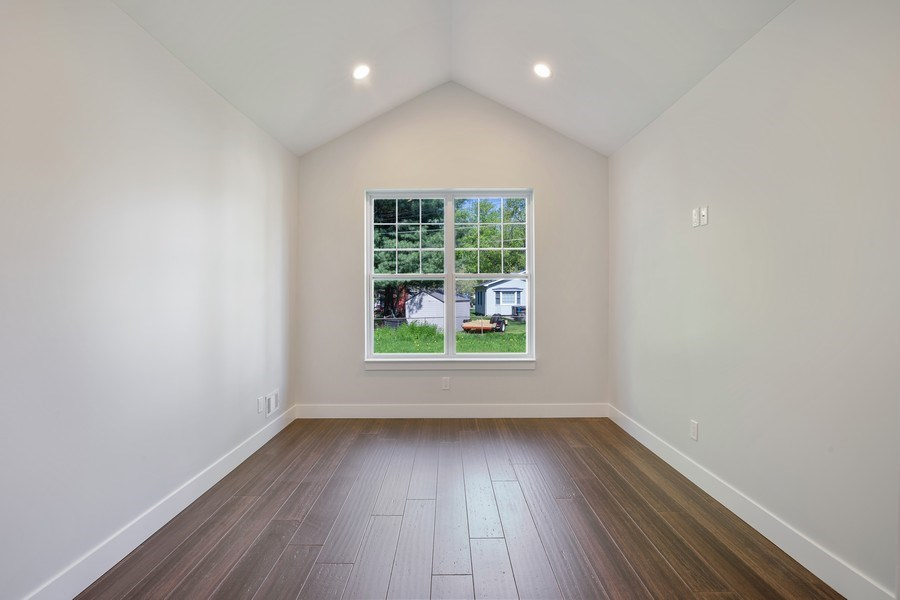 Real Estate Photography - 33558 Rhonswood, Farmington Hills, MI, 48335 - Master Bedroom