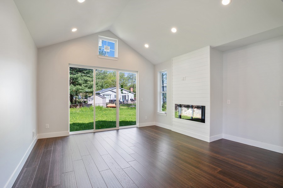 Real Estate Photography - 33558 Rhonswood, Farmington Hills, MI, 48335 - Great Room