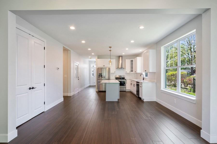 Real Estate Photography - 33558 Rhonswood, Farmington Hills, MI, 48335 - Dining Area