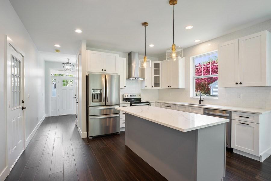 Real Estate Photography - 33558 Rhonswood, Farmington Hills, MI, 48335 - Kitchen