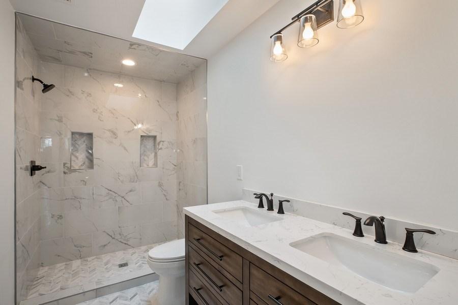 Real Estate Photography - 33558 Rhonswood, Farmington Hills, MI, 48335 - Bathroom