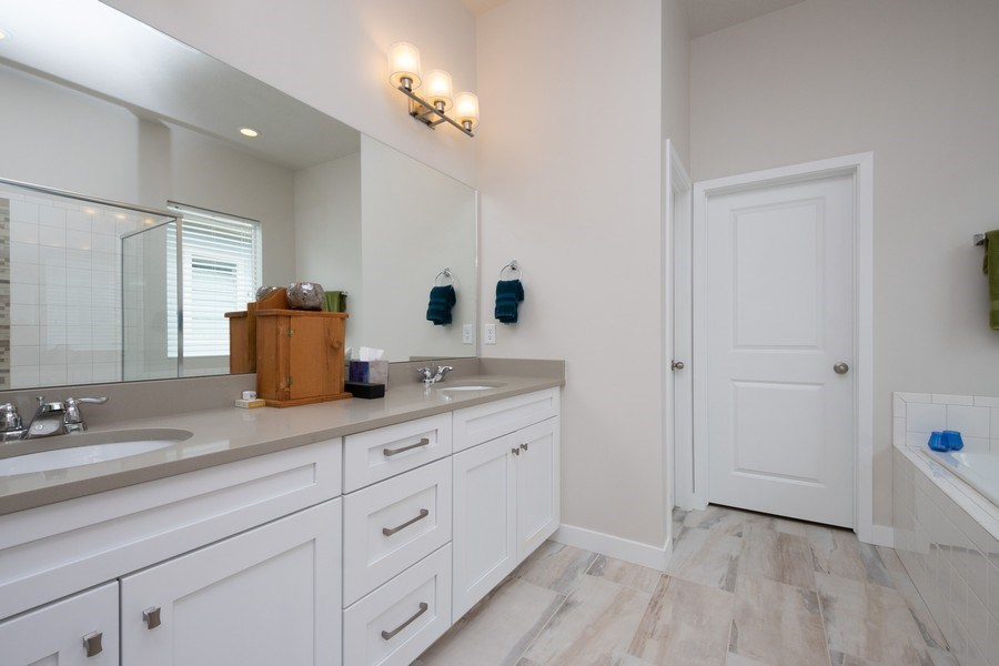 Real Estate Photography - 14127 S DEER ARCH LN, Draper, UT, 84020 - Master Bathroom