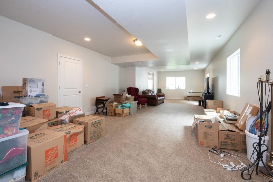Real Estate Photography - 14127 S DEER ARCH LN, Draper, UT, 84020 - Family Room