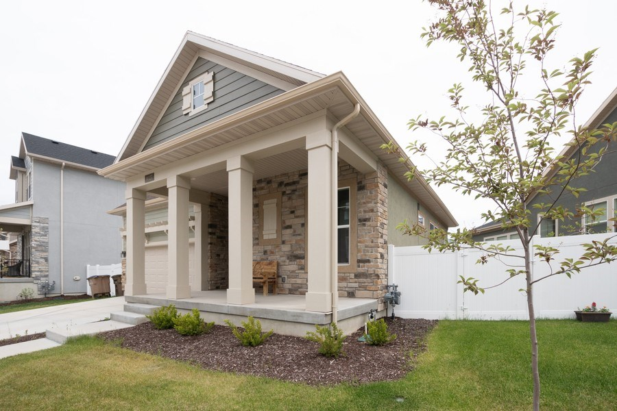 Real Estate Photography - 14127 S DEER ARCH LN, Draper, UT, 84020 - Front View