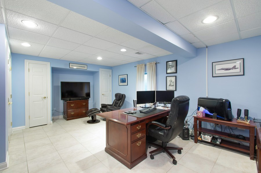 Real Estate Photography - 815 S. Western, Park Ridge, IL, 60068 - Office