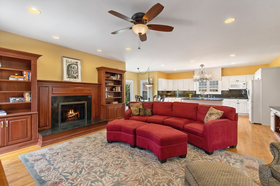 Real Estate Photography - 815 S. Western, Park Ridge, IL, 60068 - Family Room / Kitchen