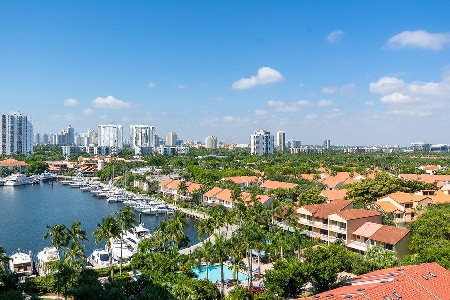 Real Estate Photography - 3610 Yacht Club Dr, 1114, Aventura, FL, 33180 - View