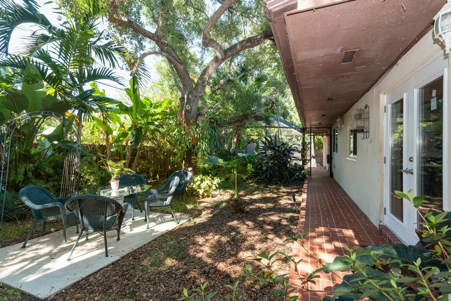 Real Estate Photography - 7515 SW 167 Street, Palmetto Bay, FL, 33157 - Back Yard