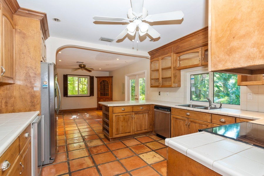 Real Estate Photography - 7515 SW 167 Street, Palmetto Bay, FL, 33157 - Family Room / Kitchen