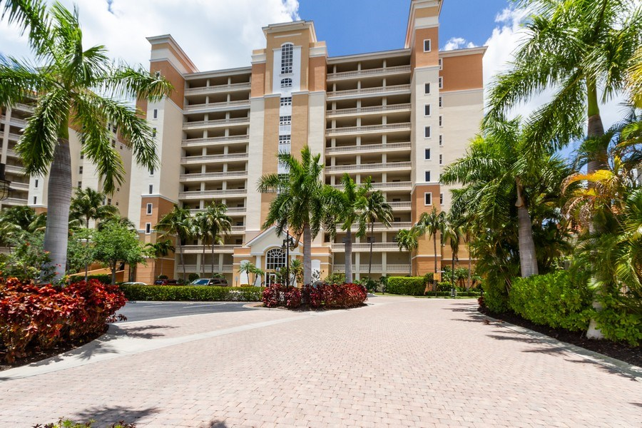 Real Estate Photography - 410 FLAGSHIP DR #1105, Naples, FL, 34108 - Front View