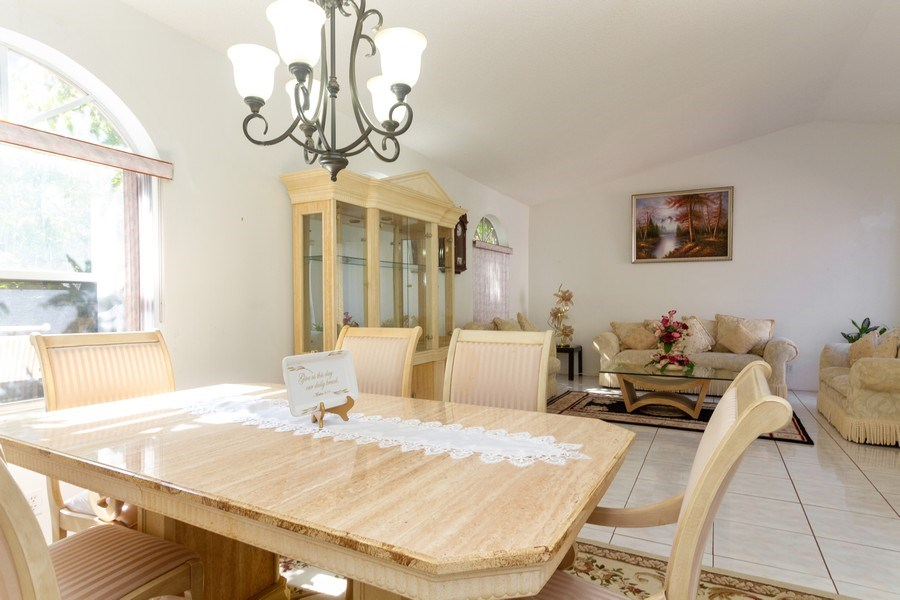 Real Estate Photography - 5351 NW 106th Dr, Coral Springs, FL, 33076 - Dining Room