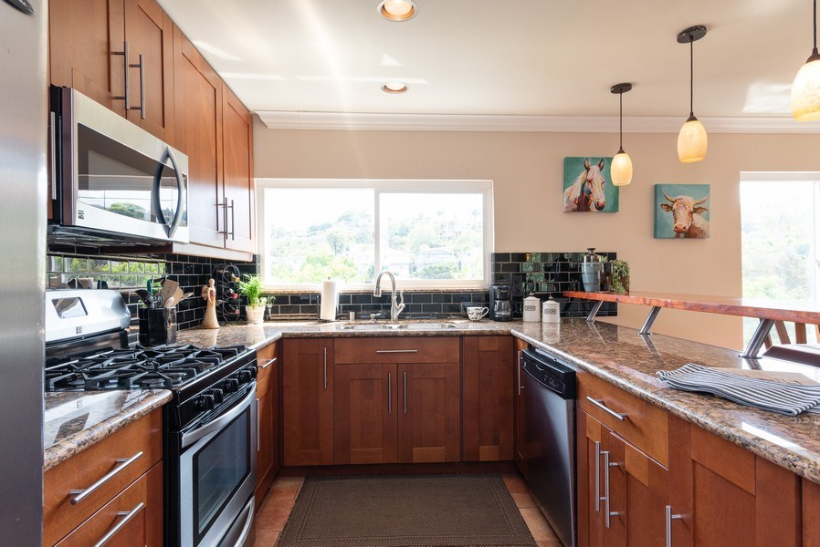 Real Estate Photography - 3550 Wawona Dr, San Diego, CA, 92106 - Kitchen