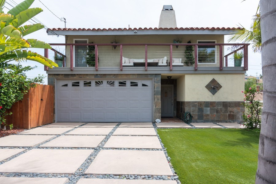 Real Estate Photography - 3550 Wawona Dr, San Diego, CA, 92106 - Front View