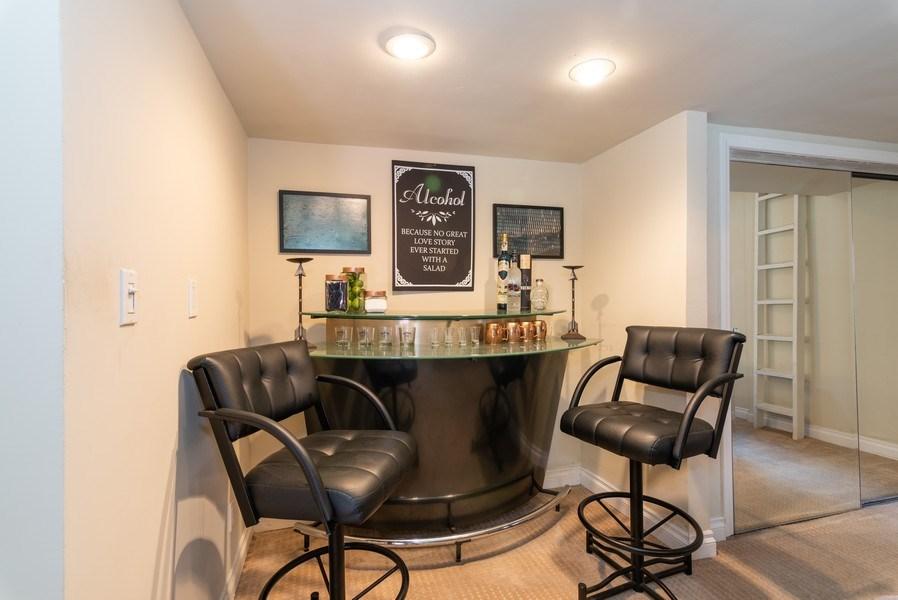 Real Estate Photography - 3550 Wawona Dr, San Diego, CA, 92106 - Bar