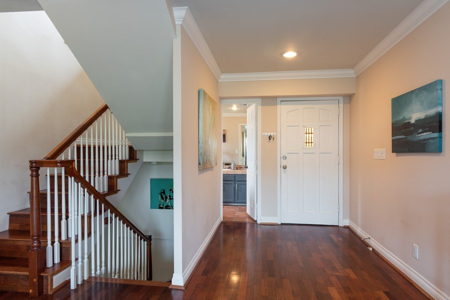 Real Estate Photography - 3550 Wawona Dr, San Diego, CA, 92106 - Entryway