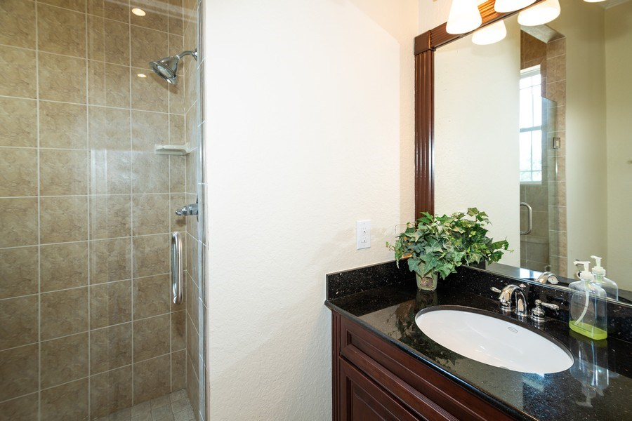 Real Estate Photography - 11441 Hammock Oaks, Lithia, FL, 33547 - 3rd Bathroom