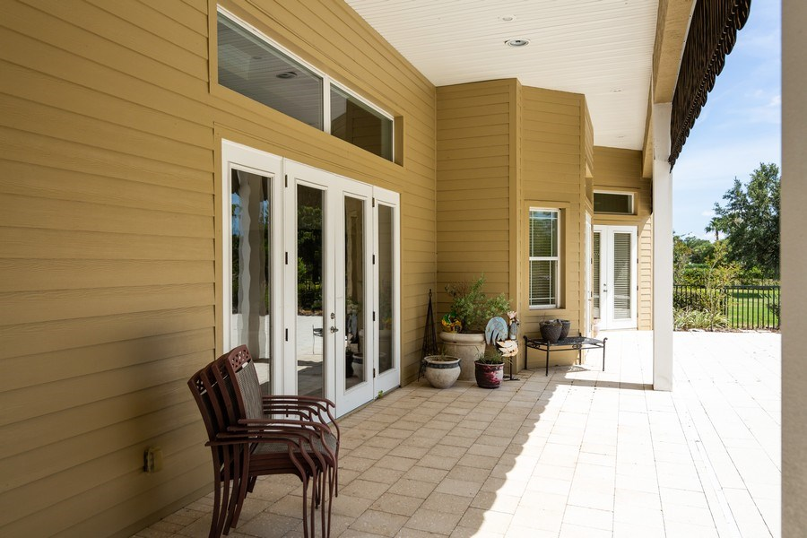 Real Estate Photography - 11441 Hammock Oaks, Lithia, FL, 33547 - Porch
