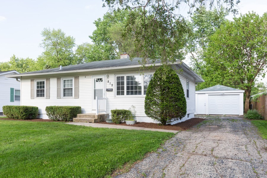 Real Estate Photography - 812 Pearson St, Joliet, IL, 60435 - Side View
