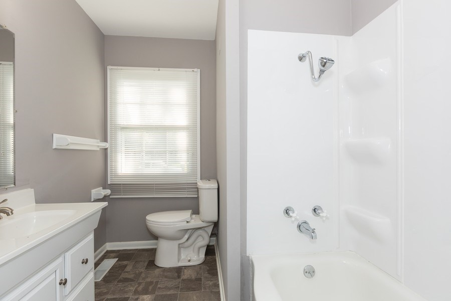 Real Estate Photography - 812 Pearson St, Joliet, IL, 60435 - Bathroom