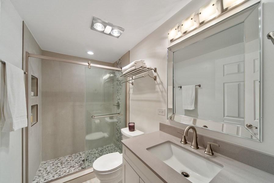Real Estate Photography - 318 N. Western Ave., Park Ridge, IL, 60068 - 3rd Bathroom