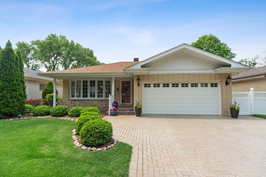 Real Estate Photography - 318 N. Western Ave., Park Ridge, IL, 60068 - Front View