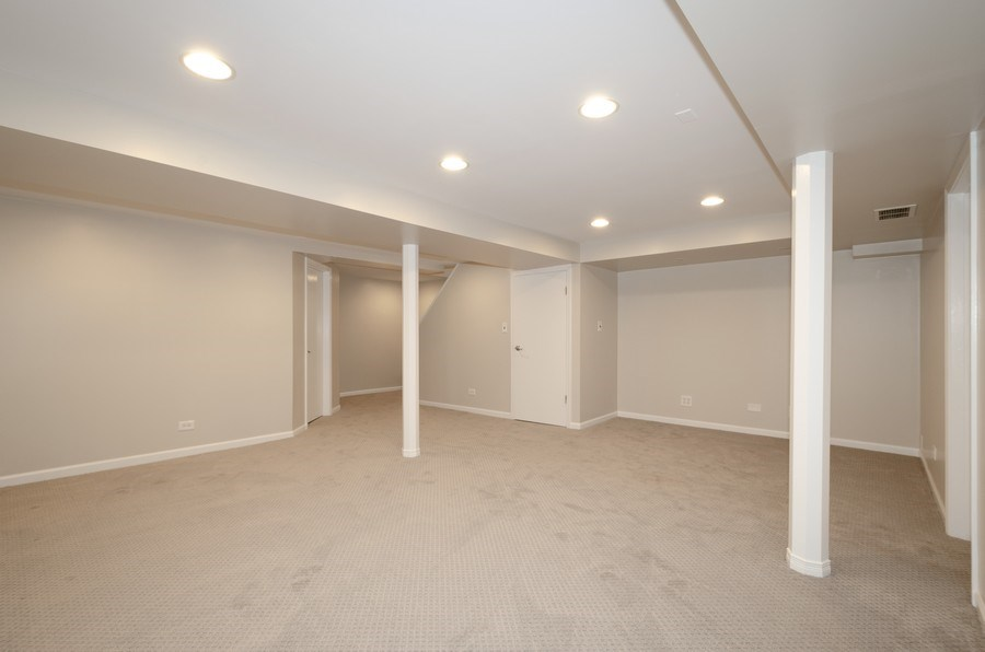 Real Estate Photography - 1109 Lake Ave, Wilmette, IL, 60091 - Recreational Room