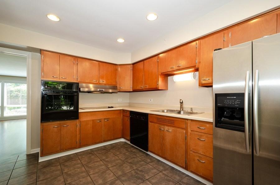 Real Estate Photography - 1109 Lake Ave, Wilmette, IL, 60091 - Kitchen