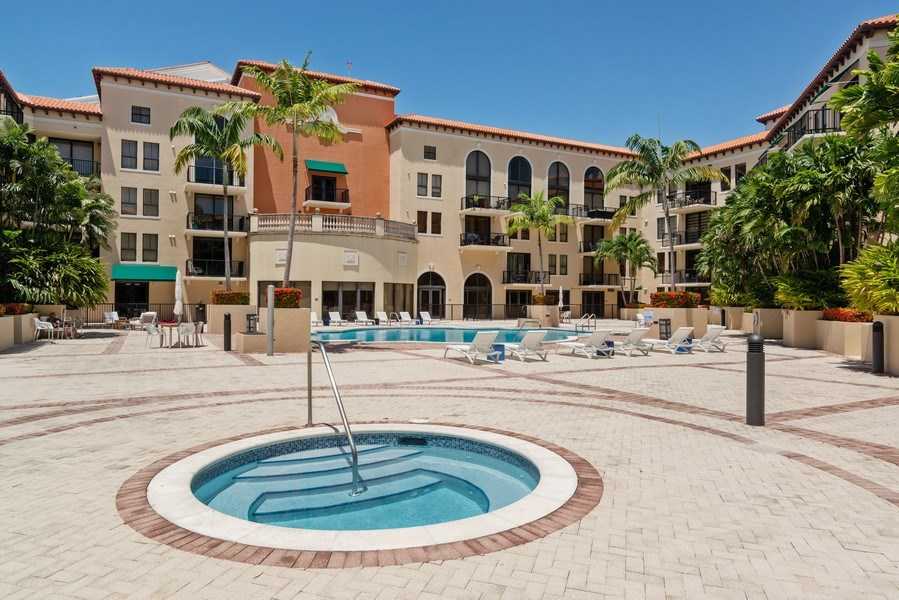Real Estate Photography - 55 Merrick Way, Apt 503, Coral Gables, FL, 33134 - Whirlpool