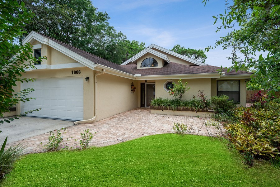 Real Estate Photography - 1908 Sandstone Place, Clearwater, FL, 33760 - Front View