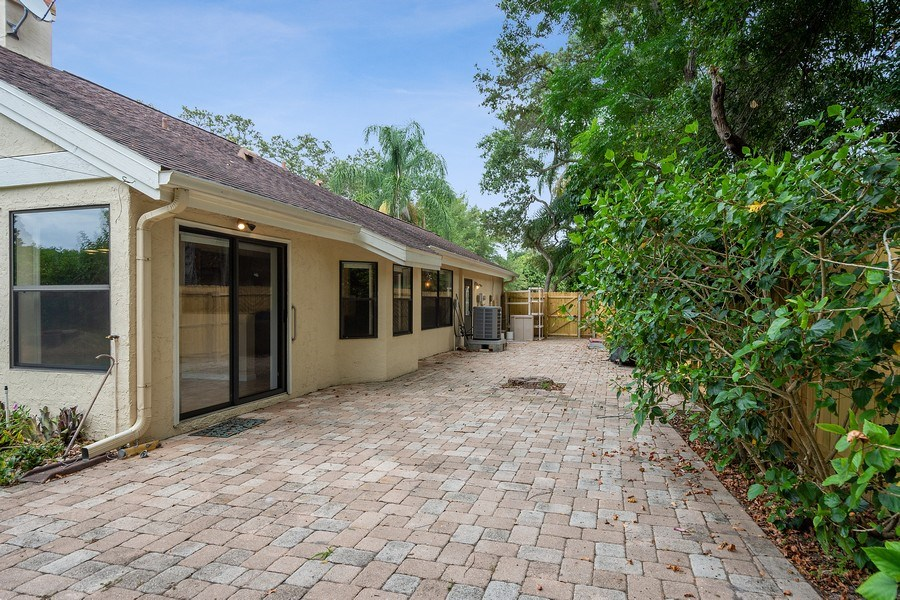 Real Estate Photography - 1908 Sandstone Place, Clearwater, FL, 33760 - Side View