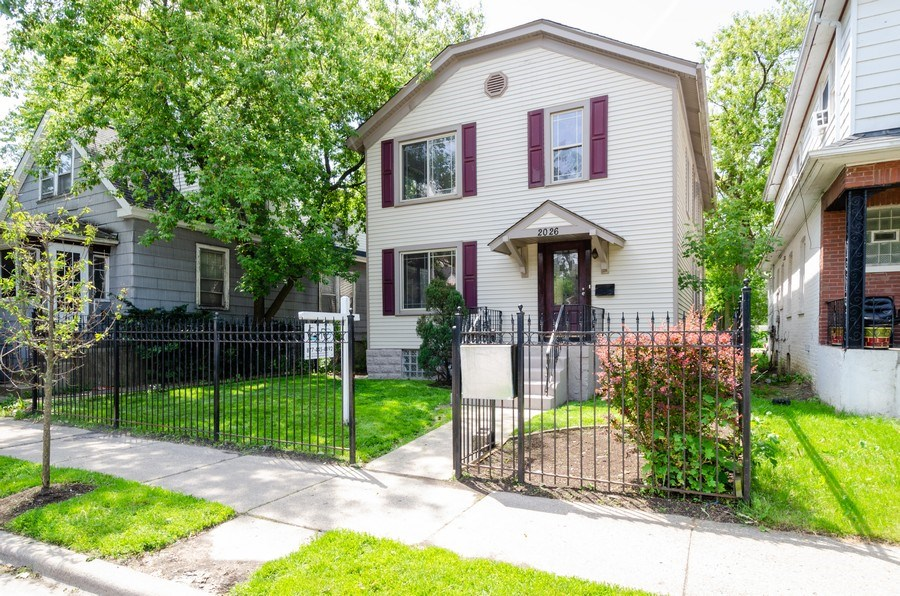 Real Estate Photography - 2026 Emerson Street, Evanston, IL, 60201 - Front View