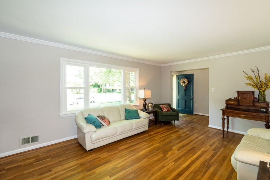 Real Estate Photography - 1911 Cool Spring Drive, Alexandria, VA, 22308 - Living Room