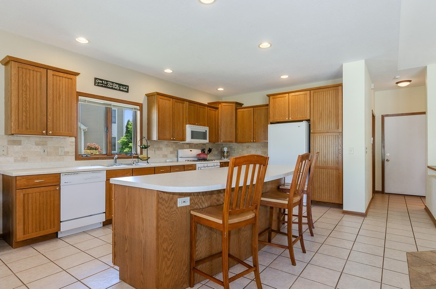 Real Estate Photography - 17801 Springbrook Circle, Union, IL, 60180 - Kitchen