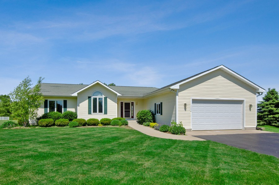 Real Estate Photography - 17801 Springbrook Circle, Union, IL, 60180 - Front View