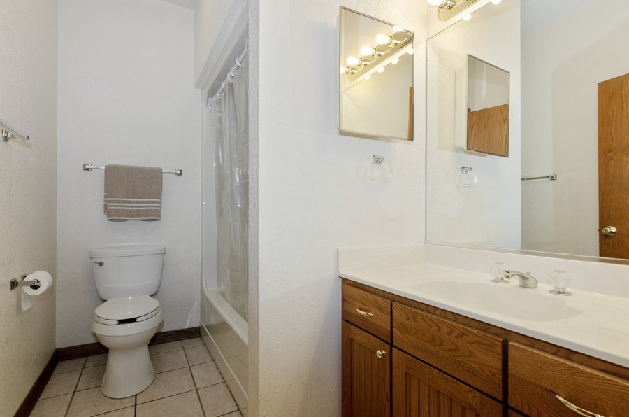 Real Estate Photography - 17801 Springbrook Circle, Union, IL, 60180 - 2nd Bathroom