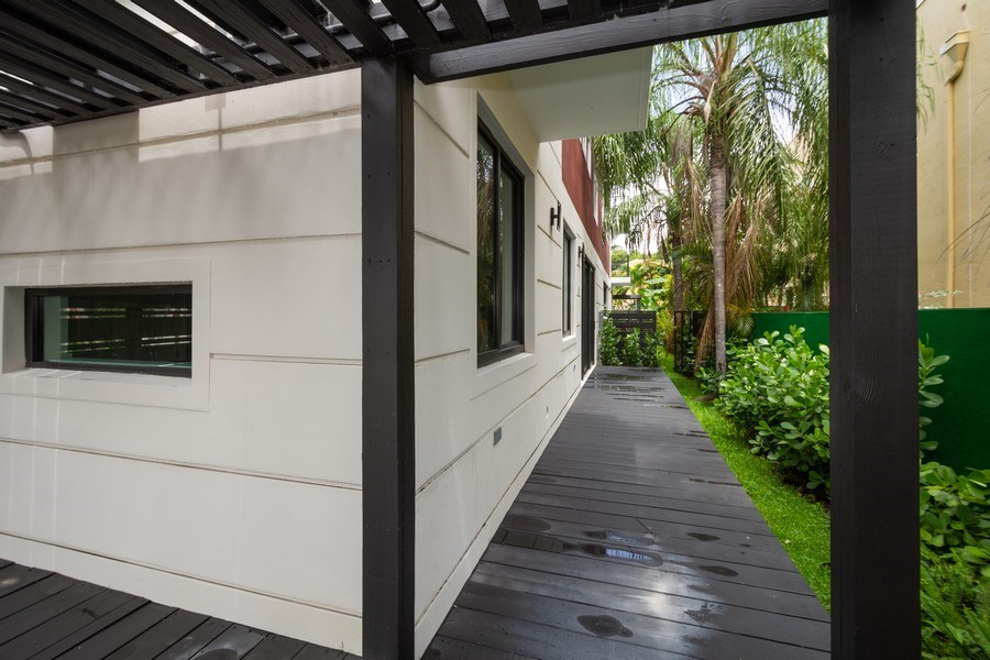 Real Estate Photography - 722 NE 15th Ave #1, Fort Lauderdale, FL, 33304 -