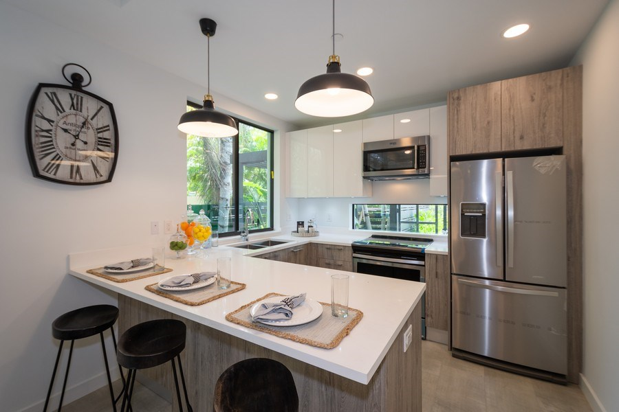 Real Estate Photography - 722 NE 15th Ave #1, Fort Lauderdale, FL, 33304 - Kitchen