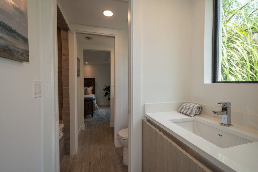 Real Estate Photography - 722 NE 15th Ave #1, Fort Lauderdale, FL, 33304 - 2nd Bathroom